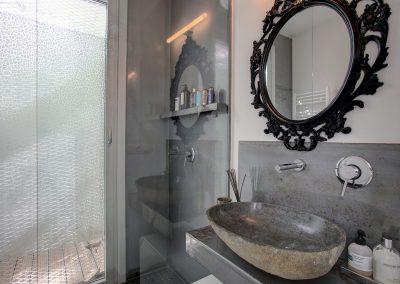 Molly+bathroom